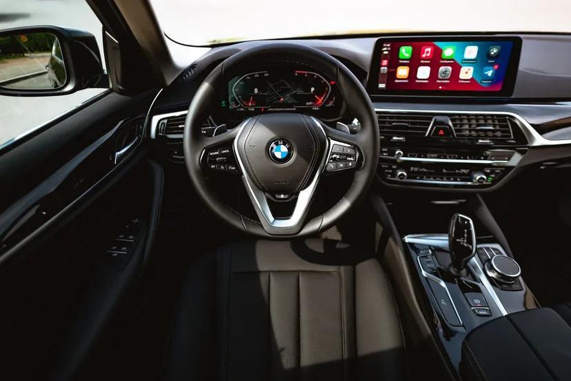 BMW 5 серии седан 2021